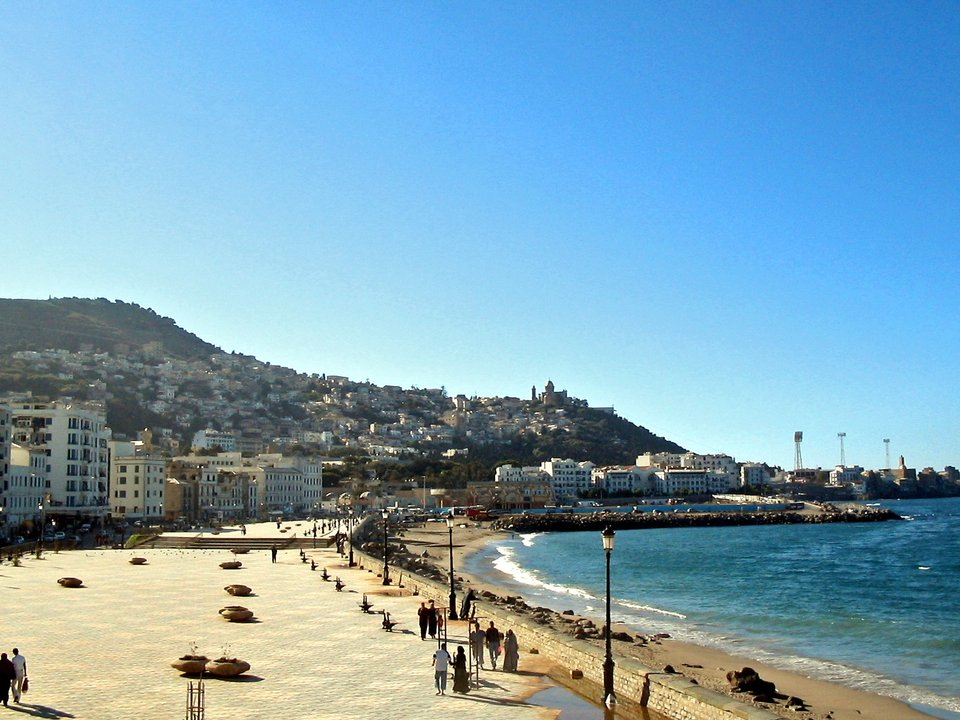 Algeria hotel search on booking