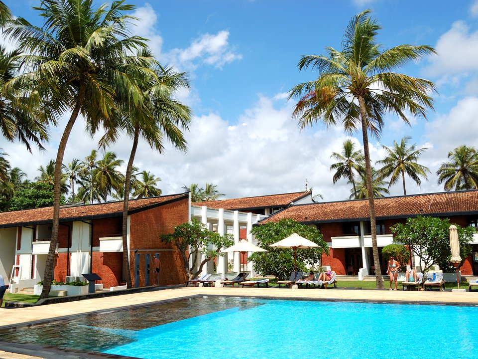 Sri Lanka hotel search on booking