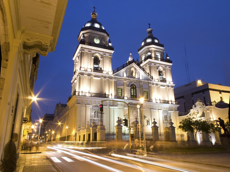 Peru hotel search on booking